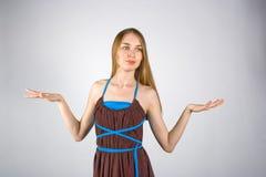 Młoda blondynki dziewczyna w sukni Fotografia Royalty Free
