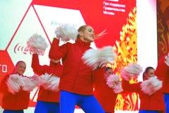 Młoda dama taniec na scenie Obraz Stock
