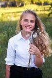 Młoda dziewczyna i dandelion Obraz Stock