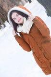 Młoda dziewczyna na spacerze w zimie Fotografia Stock