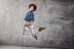 Młoda dziewczyna taniec, skacze Obraz Stock