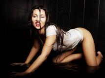 Młoda ekspresyjna seksowna kobieta Obrazy Stock