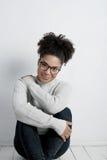 Młoda kobieta jest ubranym pulower Zdjęcia Stock