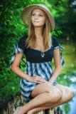 Młoda kobieta na karczu Obraz Royalty Free