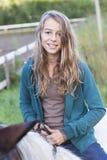 Młoda kobieta na koniu Zdjęcia Royalty Free