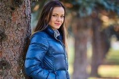 Młoda kobieta portret plenerowy obrazy royalty free