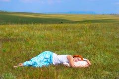 Młoda kobieta sen w otwartym Obraz Royalty Free