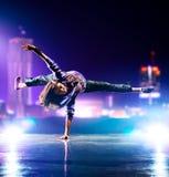 Młoda kobieta taniec Fotografia Stock