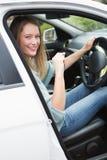 Młoda kobieta w kierowcy siedzeniu Obraz Stock