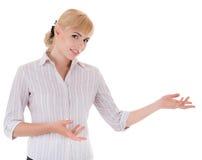 Młoda kobieta z mile widziany gestem Zdjęcia Royalty Free