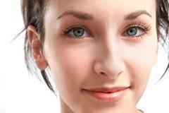Młoda kobieta z niebieskimi oczami - twarz Fotografia Royalty Free