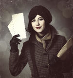 Młoda listonosz dziewczyna z poczta. Fotografia w starym koloru stylu z boke Zdjęcie Royalty Free