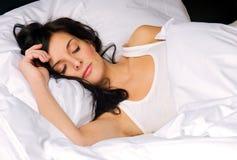 młode kobiety sypialni Obraz Stock