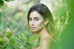 Młodej damy outdoors portret Zdjęcie Royalty Free