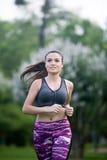 Młody brunetka bieg w parku cordoba, Hiszpania Zdjęcie Royalty Free