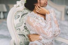 Młody brunetki kobiety boudoir Zdjęcie Royalty Free