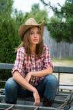 Młody cowgirl w kapeluszu Zdjęcia Stock
