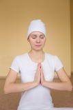 Młody duchowy kobiety dealet mudra Ajay Zdjęcie Royalty Free
