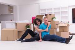 Młody homoseksualny pary chodzenie w nowym domu Zdjęcia Stock