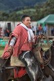 Młody kowboj na konia plecy w Ekwador mienia lasso Obraz Royalty Free