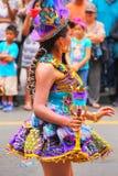 Młody lokalny kobieta taniec podczas festiwalu Dziewiczy De Los angeles Ca Fotografia Royalty Free
