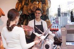 Młody sprzedawcy jamon Zdjęcie Royalty Free