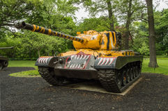 M46 Patton (pintado en el esquema del tigre del 6to batallón del tanque, de la 24ta división) imagen de archivo