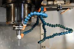 A máquina do torno do CNC Máquina de gerencio para furar com a ferramenta da ferramenta da broca e da broca de centro Fazer à máq fotografia de stock