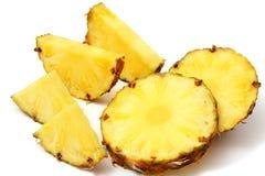 mûr d'ananas découpé en tranches Photo libre de droits