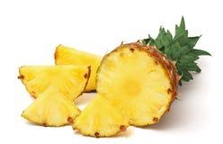 mûr d'ananas découpé en tranches Photographie stock libre de droits