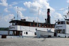 M/S de schepen van Kung Carl Gustaf en van M/S Enkoping stock afbeeldingen