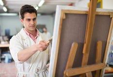 Męski artysty rysunek w studiu Obraz Royalty Free