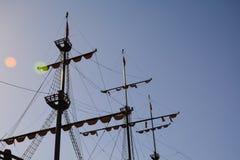 M?t du bateau contre le ciel photos libres de droits