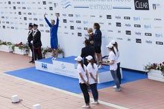 200 m-vrij slag - DEF. die - - Vrouw prizegiving Stock Afbeelding