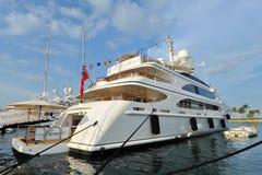 M/Y toont het dynastie super jacht van Benetti op vertoning bij het Jacht van Singapore 2013 Stock Afbeelding