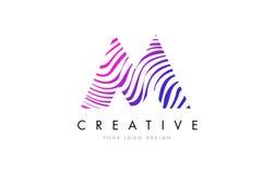 M Zebra Lines Letter Logo Design avec des couleurs magenta Photo stock