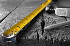 Maßband und Bleistifte Stockbilder