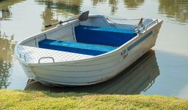 Małe aluminiowe łodzie obrazy royalty free