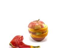 Maçã e laranja maduras misturadas Imagens de Stock