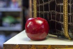 Maçã mágica de um conto, Apple falsificado imagens de stock royalty free