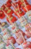 Maçãs com cobertura em chocolate Fotografia de Stock Royalty Free