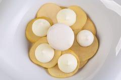 Maçãs e merengue de sobremesa Imagem de Stock