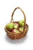 Maçãs e peras na cesta Imagem de Stock Royalty Free