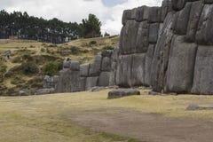 Maçonnerie des murs de Sacsayhuaman, dans Cusco, le Pérou Images libres de droits