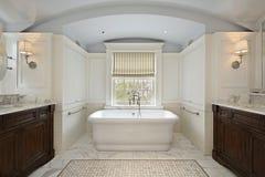 maître de luxe à la maison de bain Images libres de droits