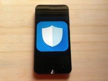 Maître de sécurité sur le smartphone photos libres de droits