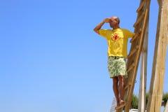 Maître nageur en service Photographie stock libre de droits
