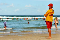 Maître nageur en service Image libre de droits