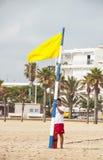 Maître nageur sur la plage à Gandie, Valence Images libres de droits