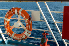 Maître nageur sur un ferry sur la mer Méditerranée Photo stock